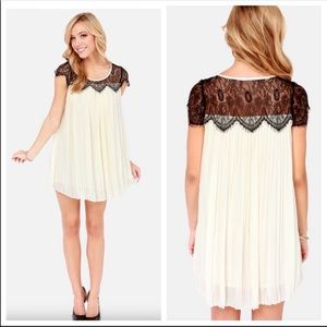 Darling Alannah Pleated Cream Lace dress